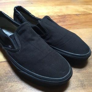 Vans Classic Slip-On Sneakers (Black/Black) Unisex